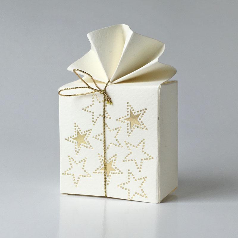 Geschenkschachtel FA 2 Sterne altweiss