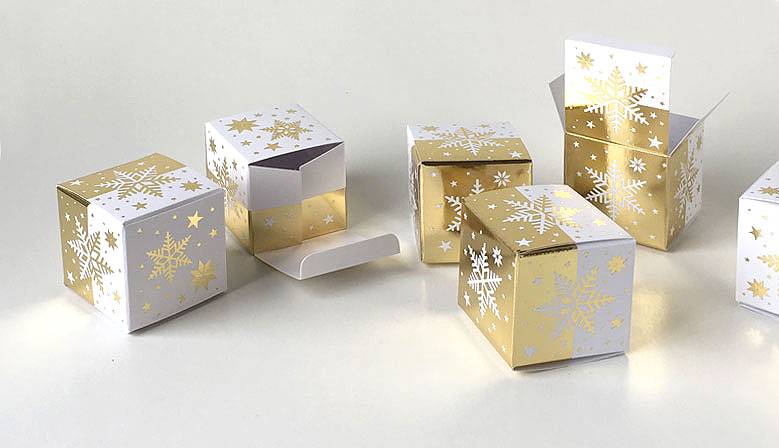 Geschenkschachtel-Würfel-Eiskristall gold geprägt, 4x4 cm