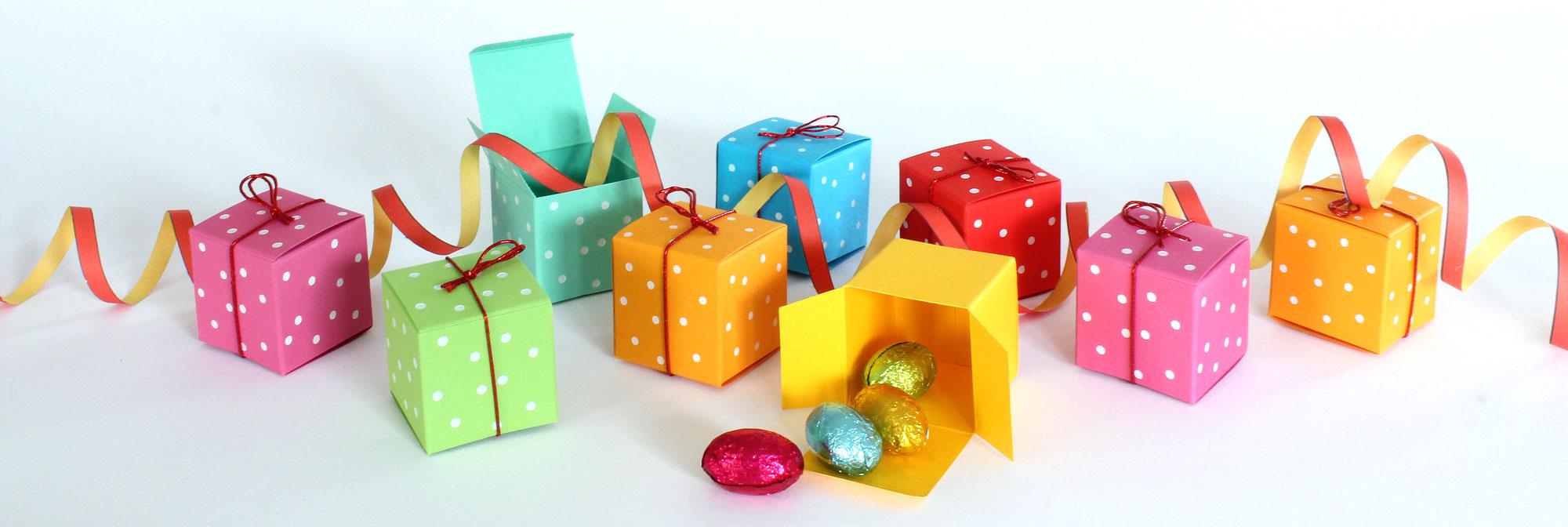 Geschenkschachteln-Würfel-white pearls, bunte 4x4 cm Schachteln